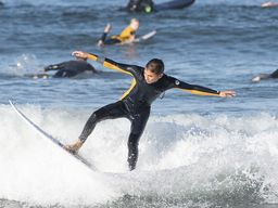 Grauer High School Surf Team Competes in Ocean Beach